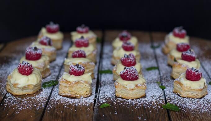 Puff Pastry Bites with Mango Mascarpone Cream
