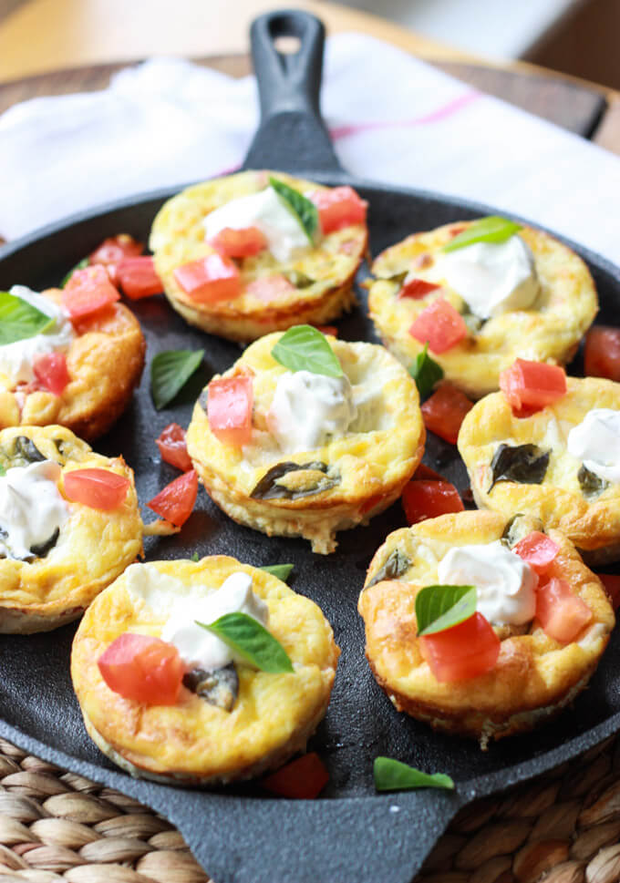 Baked Caprese Breakfast Cups with Flaky Crust | littlebroken.com @littlebroken