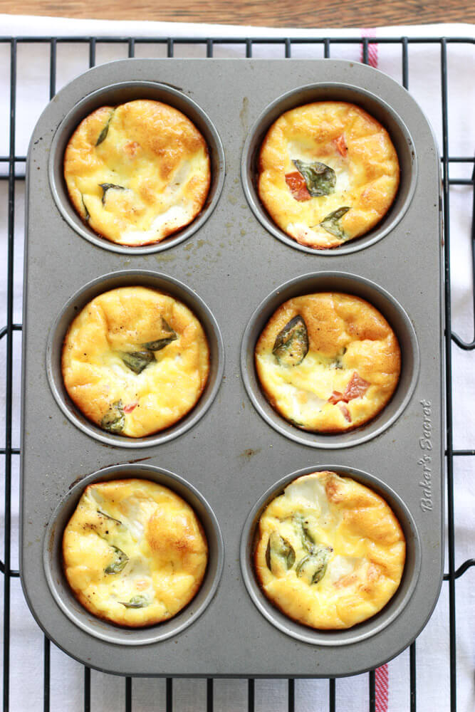 Baked Caprese Breakfast Cups with Flaky Crust| littlebroken.com @littlebroken