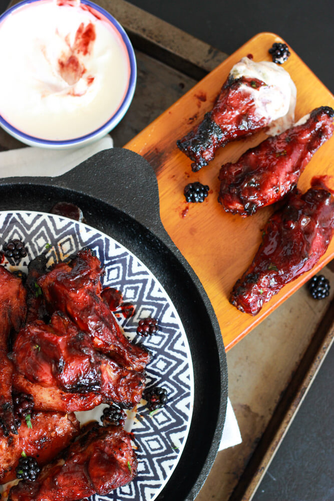 Sriracha Blackberry BBQ Wings | littlebroken.com @littlebroken