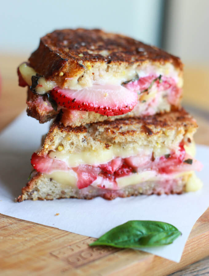 Strawberry Bruschetta Grilled Cheese_littlebroken.com