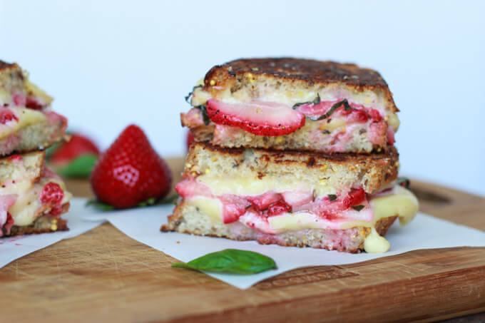 Strawberry Bruschetta Grilled Cheese_littlebroken.com