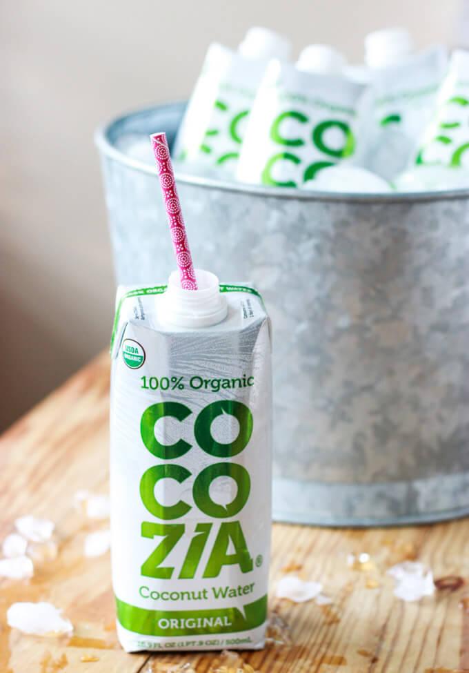 Strawberry Coconut Lemonade - made with healthy coconut water! Only 5 ingredients. | littlebroken.com @littlebroken