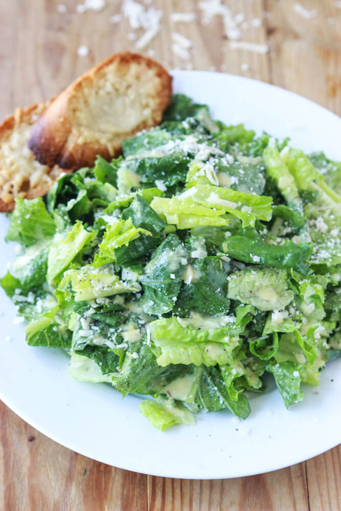 Lemony Caesar Salad with Garlic-Parmesan Toasts - lighter than most Caesar salads without anchovies or raw eggs! | littlebroken.com @littlebroken