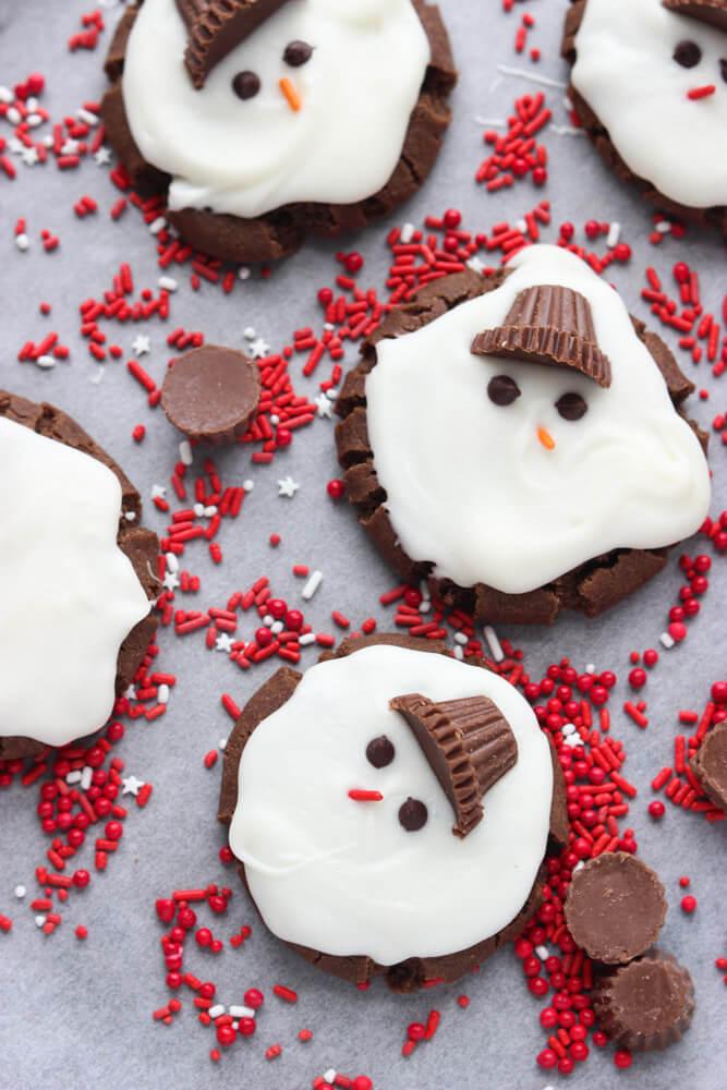 https://www.littlebroken.com/wp-content/uploads/2014/12/Melting-Snowmen-Cookies-1.jpg