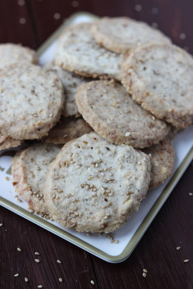 Day 4 of 12 Days of Cookies: these buttery sweet Sesame Coconut Butter Cookies are the TASTIEST butter cookies to make. Super easy and A LOT | littlebroken.com @littlebroken #christmascookies #buttercookies