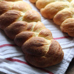 The BEST bread recipe to make! With easy step-by-step tutorial | littlebroken.com @littlebroken