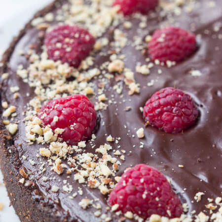Super easy chocolate tart dessert with only 15 minutes of baking and the rest is layering and chilling! | littlebroken.com @littlebroken