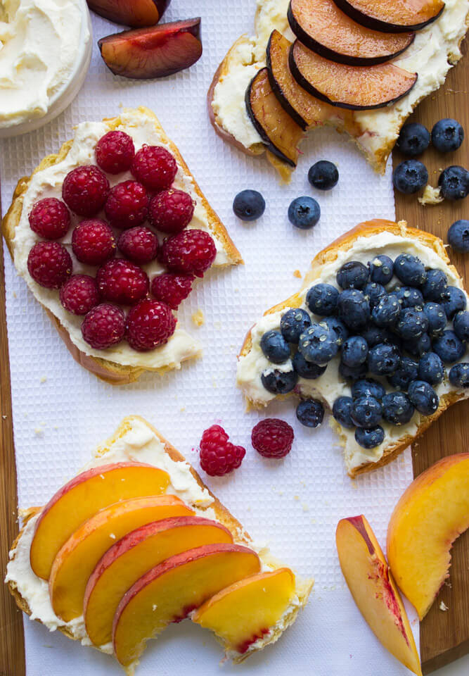 Luscious honey-vanilla flavored mascarpone ricotta spread on pillowy soft French Brioche toast and topped with fresh fruit | littlebroken.com @littlebroken