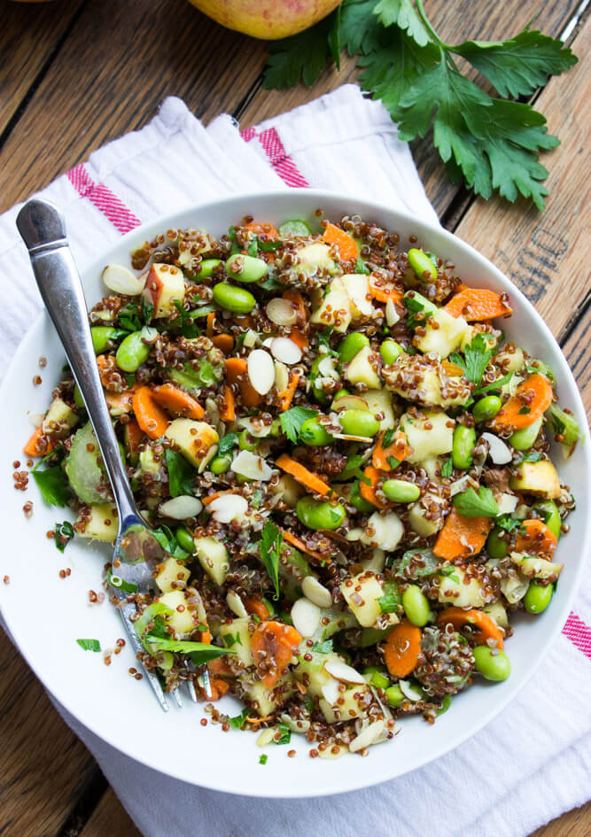 Edamame Quinoa and Apple Chopped Salad - nutritious salad with edamame, quinoa and salad tossed in citrus vinaigrette | littlebroken.com @littlebroken