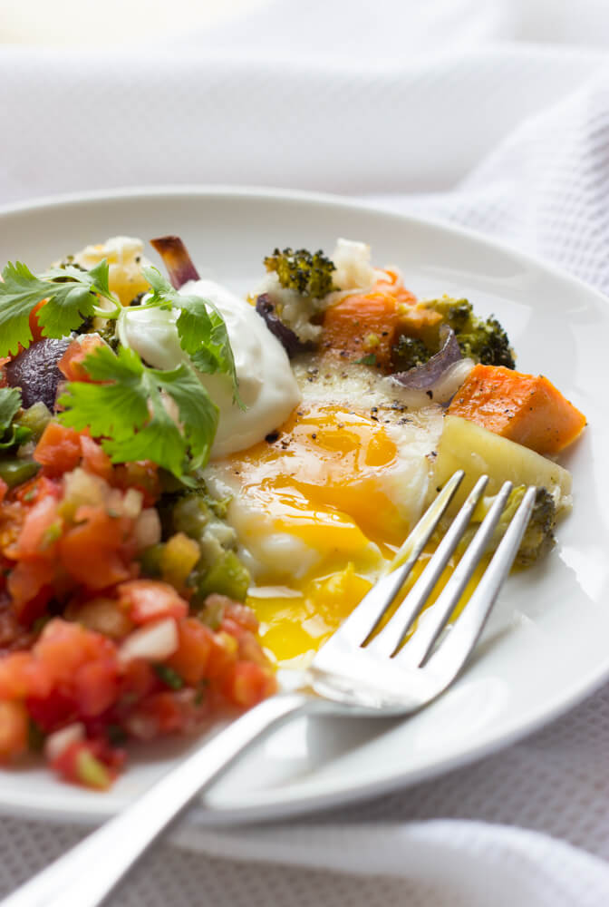 Egg and Veggie Loaded Weekend Casserole - healthy bright veggies and wholesome eggs make this casserole a total winner! Made all in one pan, in the oven, with minimal prep | littlebroken.com @littlebroken