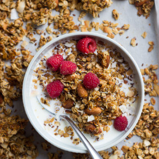 Homemade Vanilla Almond Flax Granola with Coconut