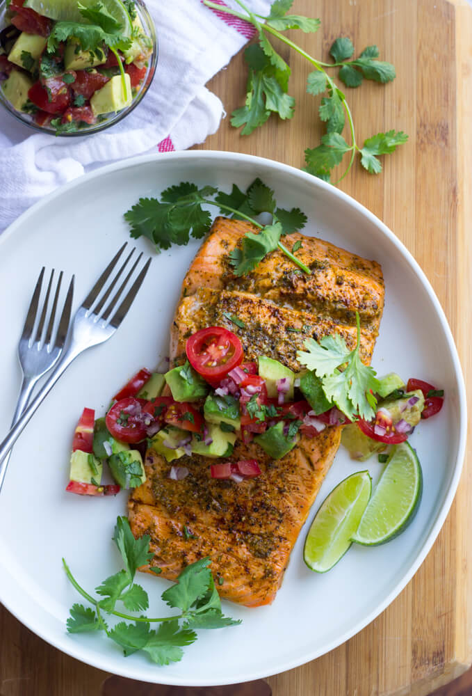 https://www.littlebroken.com/wp-content/uploads/2016/04/Oven-Roasted-Salmon-Chili-Lime-Salmon-with-Avocado-Salsa-8.jpg