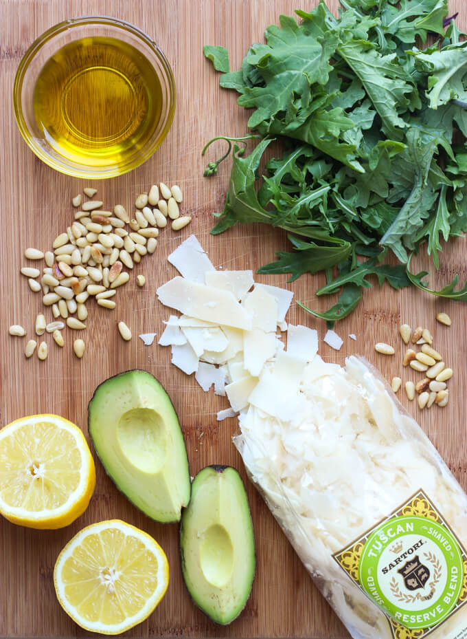Parmesan Arugula Salad with Pine Nuts - the EASIESTS 5-minute salad you will ever need to make! | littlebroken.com @littlebroken