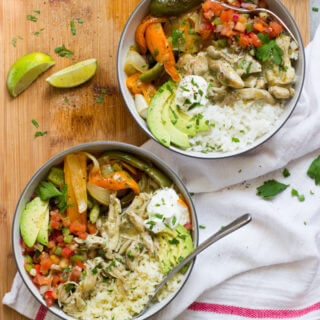 Easy Chicken Mexican Bowls (2 Ways!) - easy skillet shredded chicken served over cauliflower rice or white rice. Choice is yours. | littlebroken.com @littlebroken