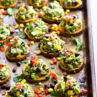 Sweet Potato Bites with Spicy Guacamole - colorful, nutritious, and full of flavor. Perfect for game day! | littlebroken.com @littlebroken