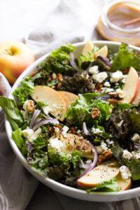 Apple Walnut Salad with Balsamic Vinaigrette - delicious autumn salad with pantry ingredients   littlebroken.com @littlebroken