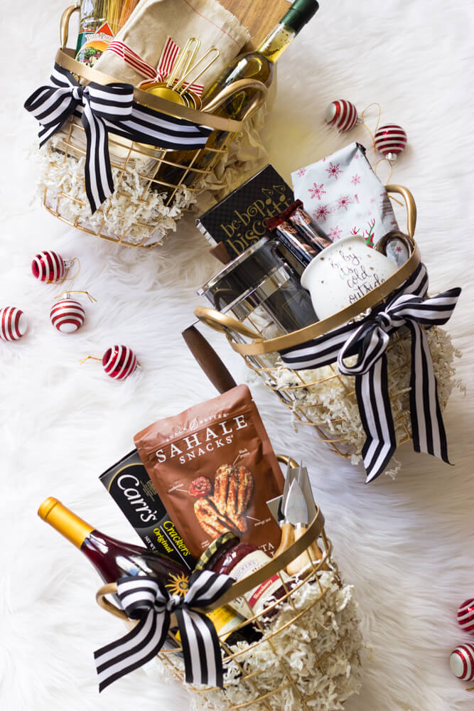 Holiday Gift Baskets - holiday gift baskets for every foodie in your life | littlebroken.com @littlebroken