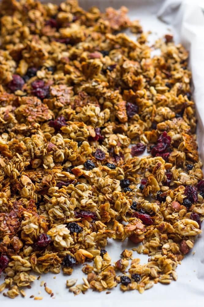 Berry Crunch Granola - simple, healthy, and lightly sweetened with honey   littlebroken.com @littlebroken