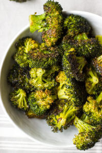 Easy Oven Roasted Broccoli - by far the best tasting broccoli with only 4 ingredients | littlebroken.com @littlebroken