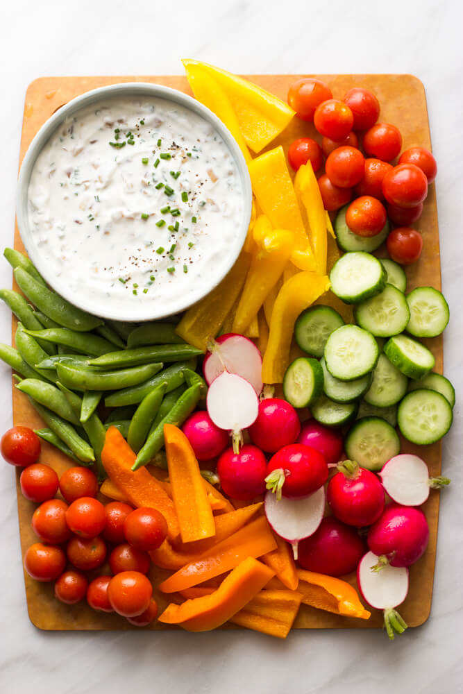 https://www.littlebroken.com/wp-content/uploads/2017/02/Greek-Yogurt-Onion-Dip-8.jpg
