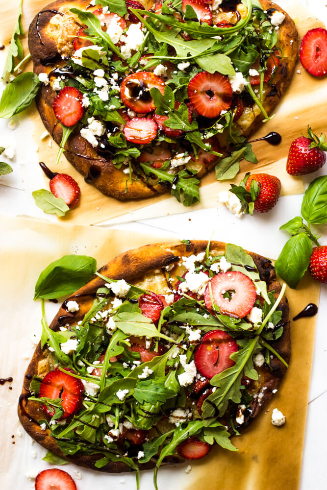 Strawberry Balsamic Flatbread - this light and refreshing flatbread is made with fresh strawberries, arugula, basil, feta, and balsamic glaze | littlebroken.com @littlebroken