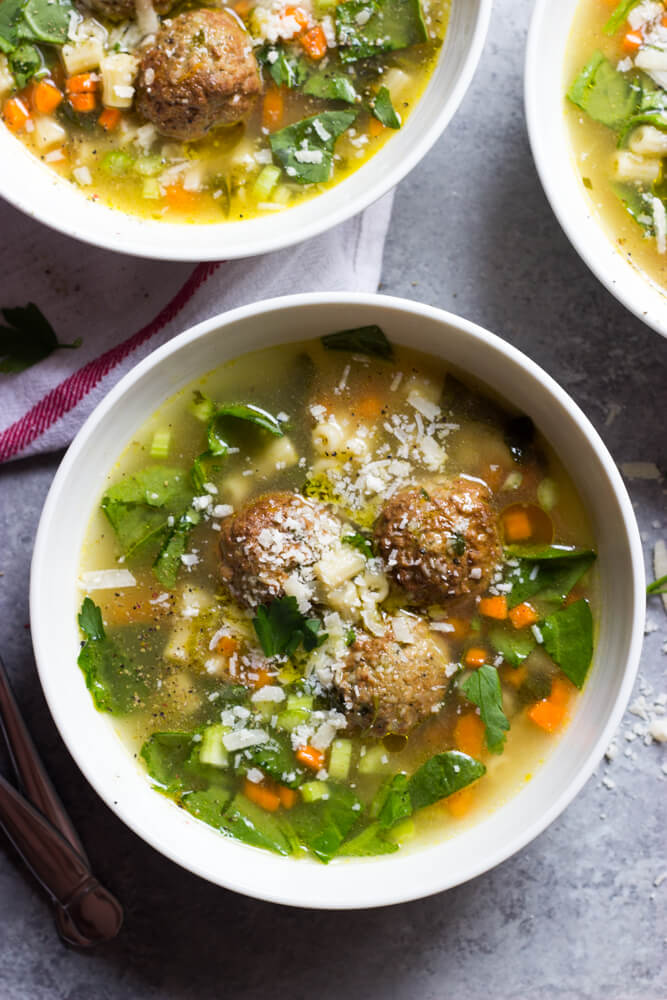 Easy Italian Wedding Soup - hearty soup with meatballs, pasta, and spinach. Comes together in about 30 minutes | littlebroken.com @littlebroken