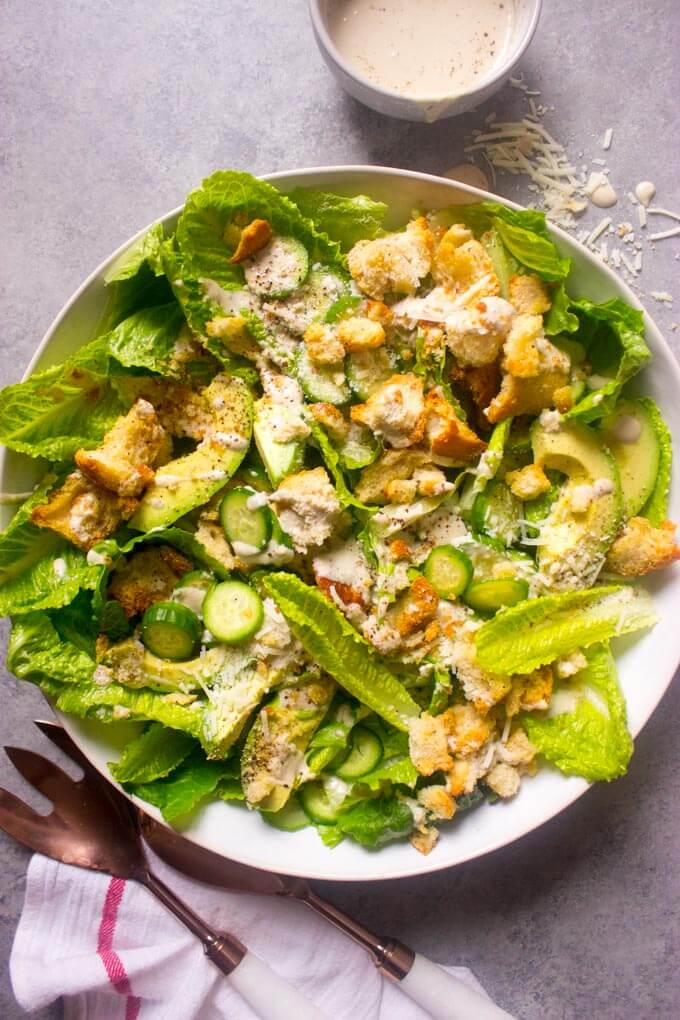 https://www.littlebroken.com/wp-content/uploads/2019/01/Avocado-Caesar-Salad-with-Cucumbers-13.jpg