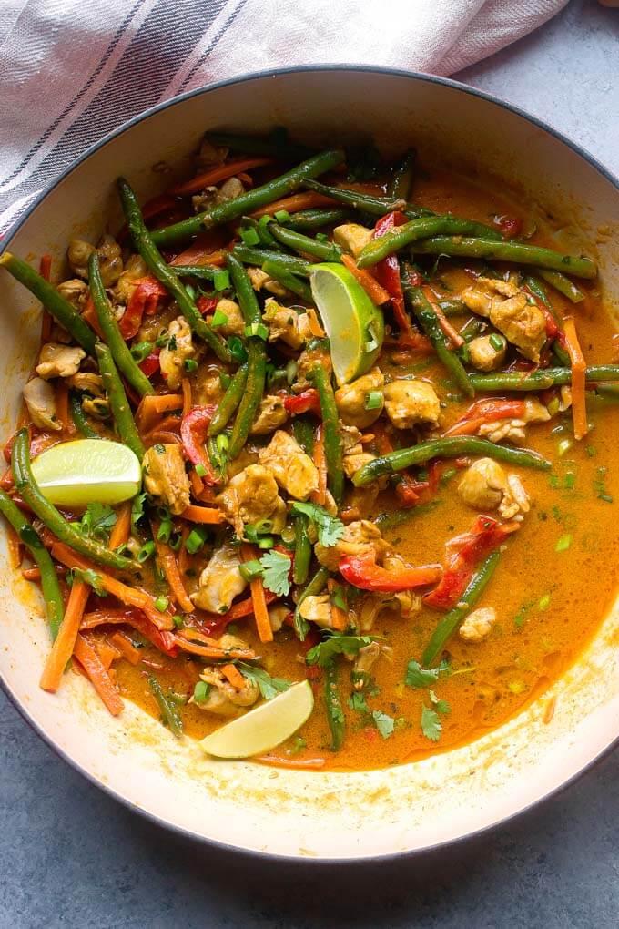 https://www.littlebroken.com/wp-content/uploads/2019/02/Easy-Chicken-Vegetable-Curry-8.jpg