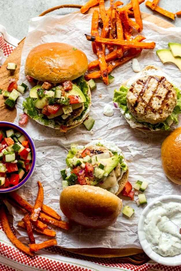 https://www.littlebroken.com/wp-content/uploads/2019/06/Grilled-Mediterranean-Turkey-Burgers-9.jpg