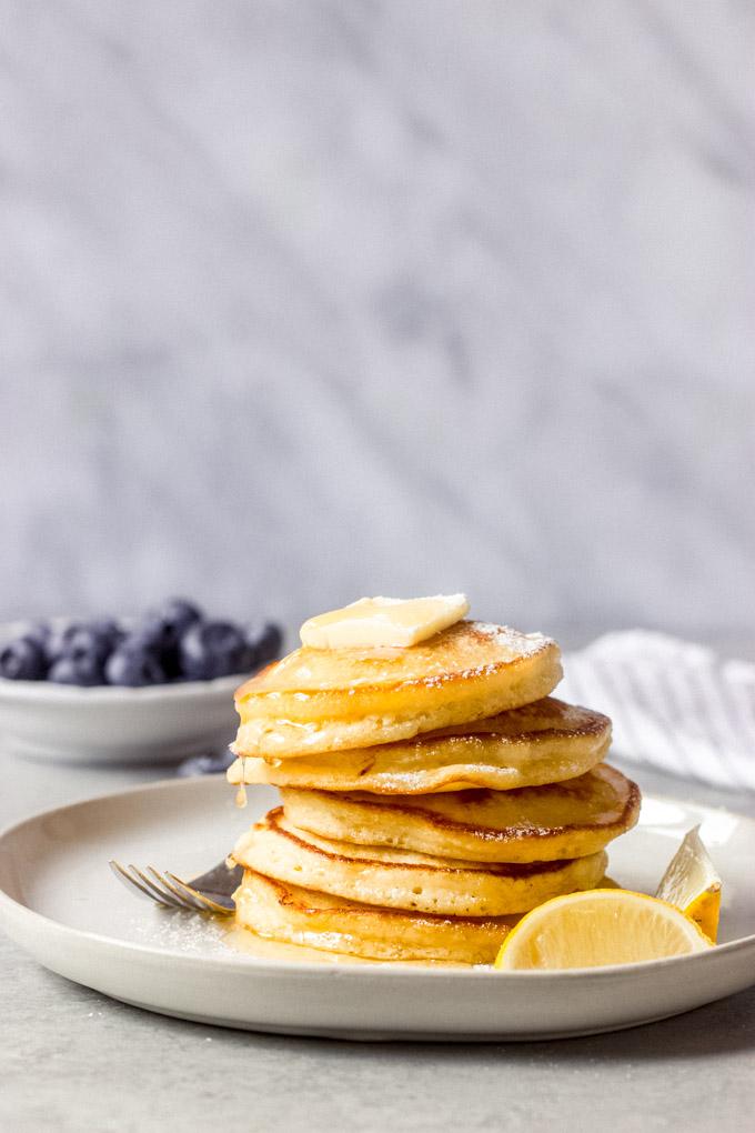 https://www.littlebroken.com/wp-content/uploads/2020/06/Lemon-Ricotta-Pancakes-15.jpg